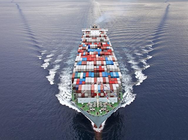UK exporters held back by Brexit, tariffs & exchange rates, survey finds