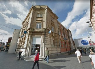 £1m Grimsby bank to go under the hammer