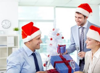 Christmas in the workplace improves office productivity