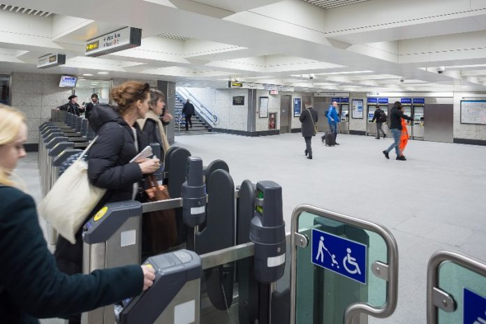 Paragon ID secures £2.2m contract to supply Oyster Cards